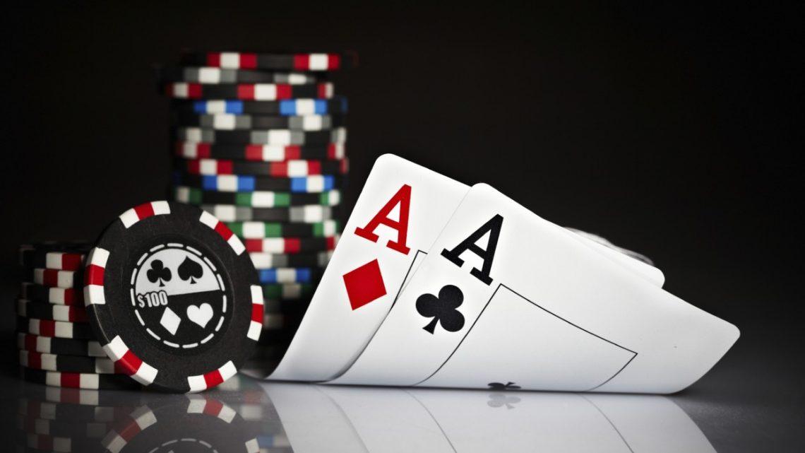 Poker entre amis : que faut-il en penser ?